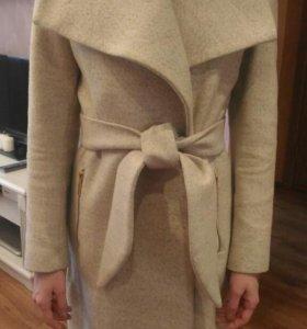 Пальто женское Mango весенее