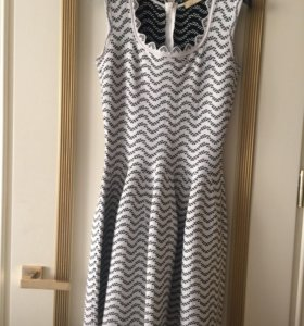 Продаю платье Alaya