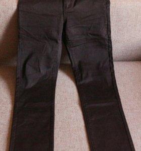 Новые джинсы 38 размера