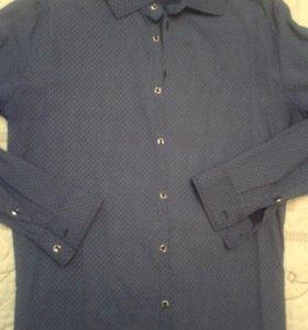 Две мужские рубашки