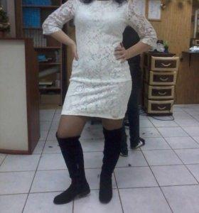 Платье белое, кружевное