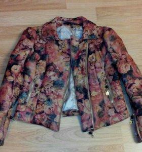 Куртка кожанная, утепленная.