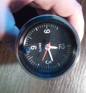 Часы в автомобиль