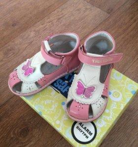 Продам сандалии для девочки