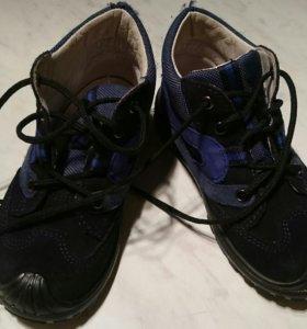 Демисезонные ботинки фирмы SuperFit