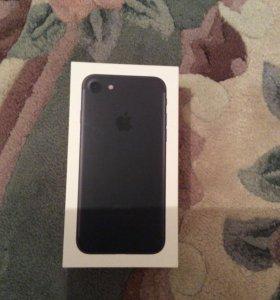 Продаю IPhone 7  32g