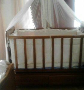 Детская кровать и комбинизон