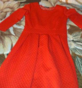 Продаю платья в идеальном состоянии