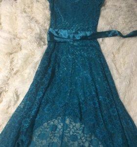 Платье со шлейфом 44-46