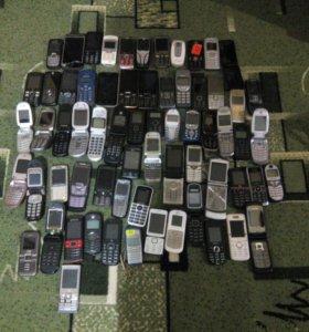 Телефоны кнопочные.