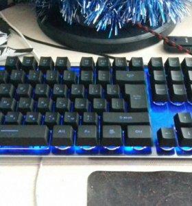 Продаю клавиатуру, мышку и коврик