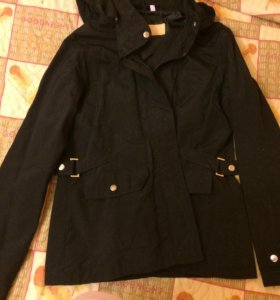 Женская куртка 38 размера