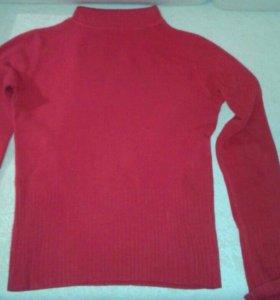 Продаю 2 свитера