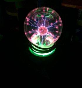 Плазменный шар с молниями