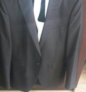 Мужской костюм размер 44/170