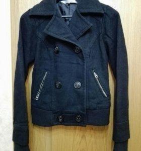 Куртка пальто демисезонная 42 разм.