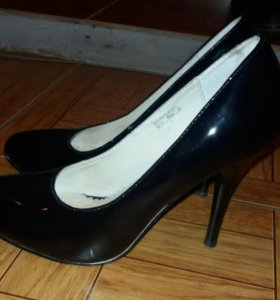 Туфли черные лакированные, каблук 10 см