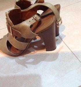Обувь женская р35(Натуральная кожа)
