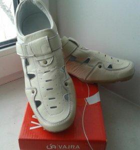 Туфли на мальчика р.37,5