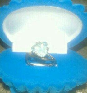 Кольцо золот. с топазом 585 пробы