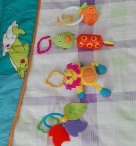 Развивающий коврик TINY LOVE и мобиль на кроватку