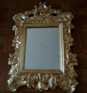Зеркало в красивой рамке