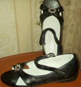 Босоножки и туфли подростковые