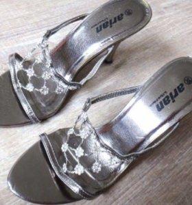 Босоножки Туфли со стразами 36,5 в х/с