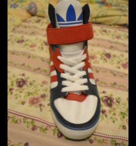 Кроссовки на платформе adidas original