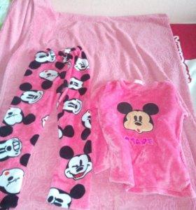 Пижамы и блузка
