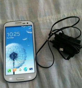 Смартфон Самсунг GT-I9300