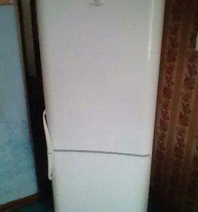 Холодильник lndesit