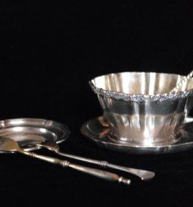 Чайная пара серебряная, ложка и тарелка для лимона