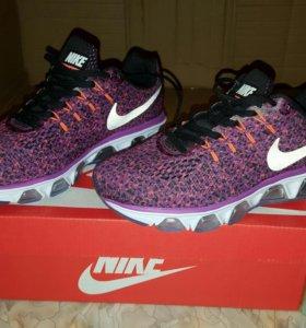 Кроссовки Nike, Asics