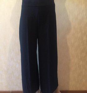 Новые чёрные брюки Zara Woman (размер М)