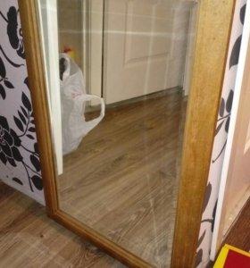 Зеркало старинное с фацетом в деревянной раме