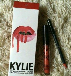 Матовая помада Kylie с карандашом.