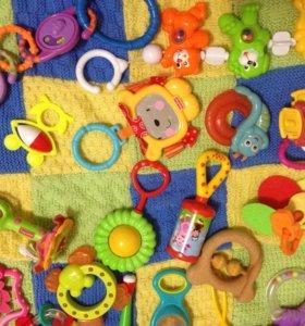 35 игрушек и погремушек