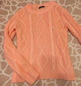 Продам стильный свитер
