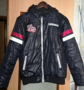 Куртка на подростка.