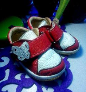 Обувь для девочки Кожаная!
