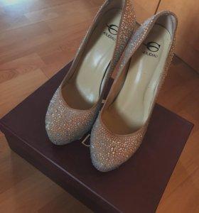 Роскошные кожаные туфли Gudialy