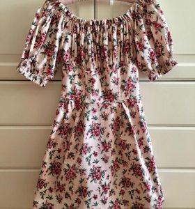 Стильное платье размер S