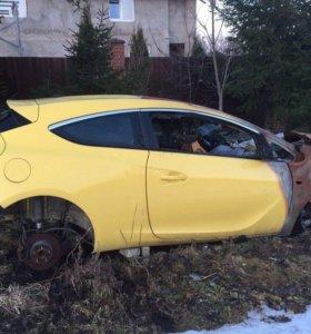 Продаётся на запчасти Opel Astra GTC 2012 года