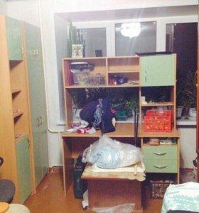 Универсальный стол с полками и ящиками+2 шкафа