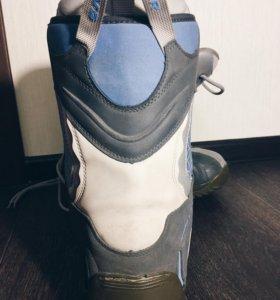 Сноубордические ботинки б/у