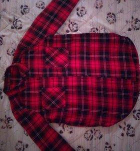 Модная клетчатая рубашка