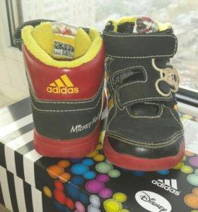 Ботинки кроссовки Adidas Disney