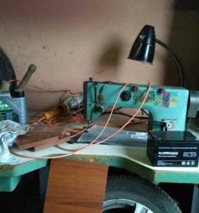 Промышленная швейная машинка 1022