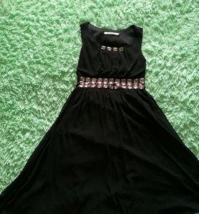 Шикарное платье,можно на выпускной